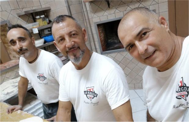 La Pergola pizzeria da asporto self service Marsala tel 0923714131, maestri pizzaioli dal 1998